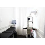 consulta em clínica oftalmológica