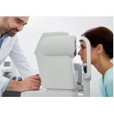 médico oftalmo